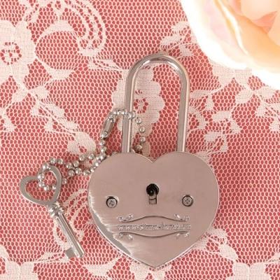 """Замок с заливкой и ключом """"Я тебя люблю"""""""